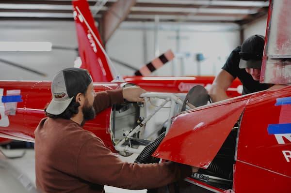 How Long Does It Take to Become an A&P Mechanic? | SUU