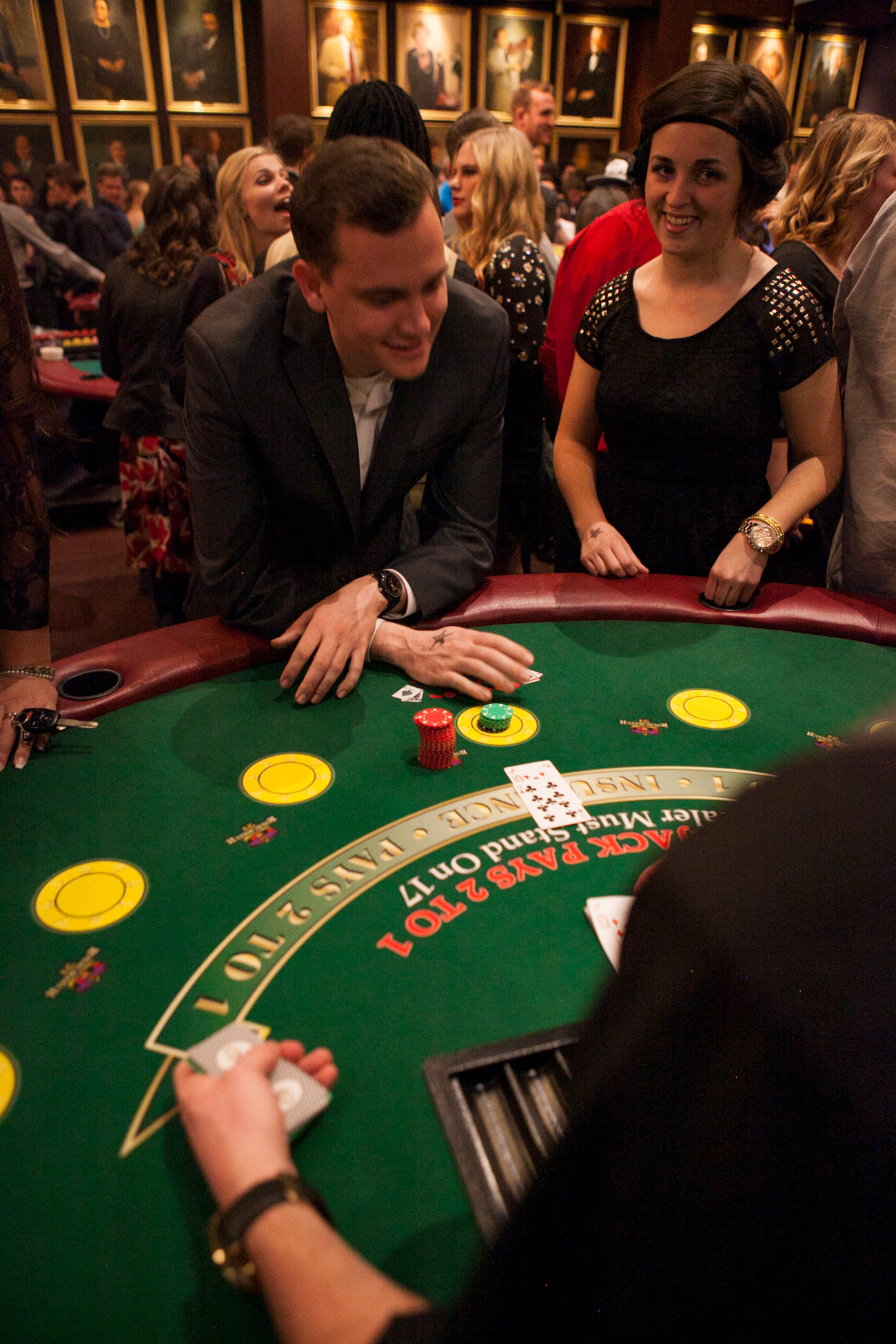 casino essays Anti essays offers essay examples to addiction essay angie bachmann is a middle age woman that got sucked into a gambling debt of $125,000 with the casino.